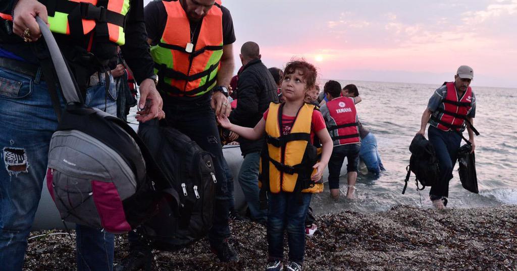 Als je je @geroepen voelt, stort dan b.v. iets op Giro999 - Stichting Vluchteling. Zij helpen. http://t.co/7L2M6RGMA3 http://t.co/yZ6saf7uEP