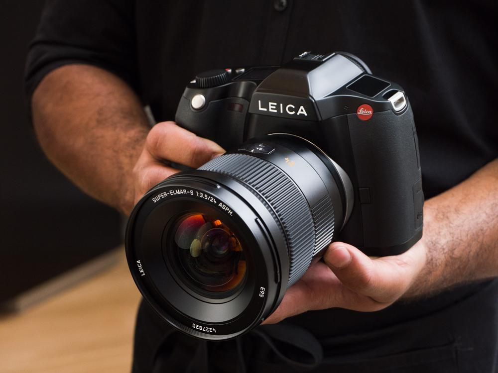 Hands-on: Leica claims fastest in the world for its new CMOS S (Type 007) http://t.co/1PJi8XWJFF http://t.co/muoxsF6wg9