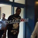 SON DAKİKA : Douglas Trabzona geldi.. Ayrıntılar : http://t.co/RJZ0M4nhkb http://t.co/MragebnW2q