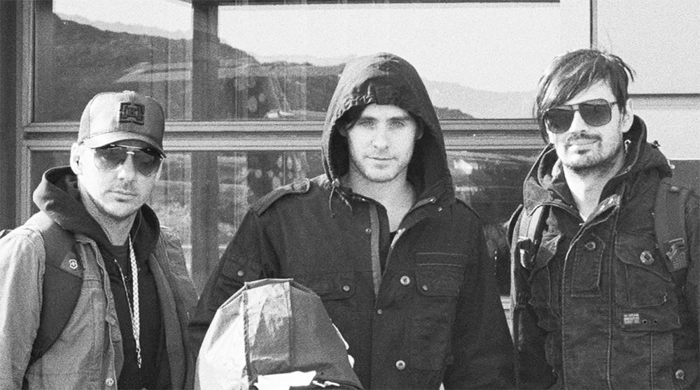 RT @30SECONDSTOMARS: On-location in Ilulissat, Greenland while filming #ABeautifulLie, August 2007. ???? #TBT #MARSX https://t.co/rgqeaAUDRG h…