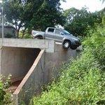 #ComentaDD Esto sucedió en la Comunidad de los Castillos de Parita. El puente tiene más de un año de estar así... http://t.co/GickezVkOi