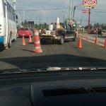 los inteligentes de @GobTlajomulco balizando en hora pico 2 carriles de adolf horn antes de concepción @Trafico_ZMG http://t.co/hysvLfi4CU