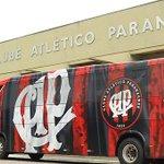 Atlético Paranaense recebe novo Volksbus da Man Latin America: http://t.co/uG0JG950Gd. http://t.co/eRWW56osTx