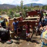 Convocan plantón en #Cúcuta para solidarizarse con deportados de Venezuela. http://t.co/9pOBRWdXTH http://t.co/YZSE8GJfsX