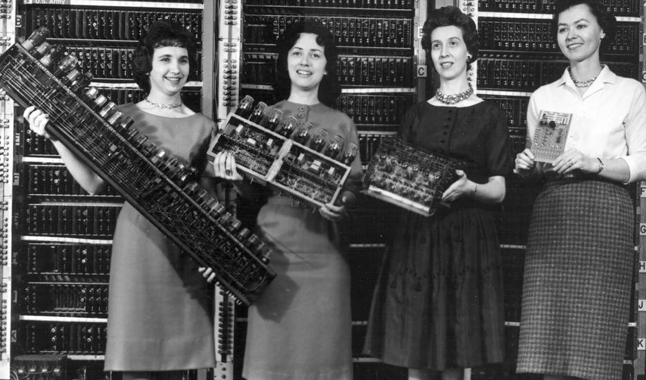 Before Gates, Zuckerberg, or Jobs, 6 women programmed the first digital computer #WomenInTech http://t.co/L68GaRmR3t http://t.co/zaZFlT7ddR
