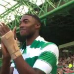 Tyler Blackett was unveiled at half-time in Celtics game vs. St. Johnstone today. (Source: @celticfc) http://t.co/LlwbQSzcha