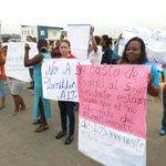 Habitantes de Socio Vivienda II protestaron por falta de atención. http://t.co/NyahoIIznf #Guayaquil http://t.co/yGEtOKhWwO