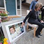 Tia de meninos sírios que morreram em praia mora no Canadá e queria receber a família http://t.co/QgcT7KUPVj http://t.co/KfH267Q6Fq