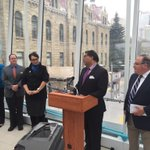 Mayor Nenshi sharing details on $162 million for new rapid transit projects. Release: http://t.co/umAu3ZNECp #yyccc http://t.co/sBlm83ci7c