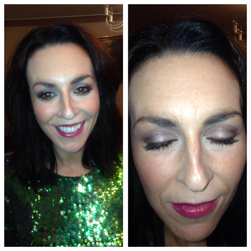 Beautiful natural look smokey eye. Using @motives @MACcosmetics #Stockport #MOTD #Manchester #cheshire #lotd #party http://t.co/XvM0KgJk1D