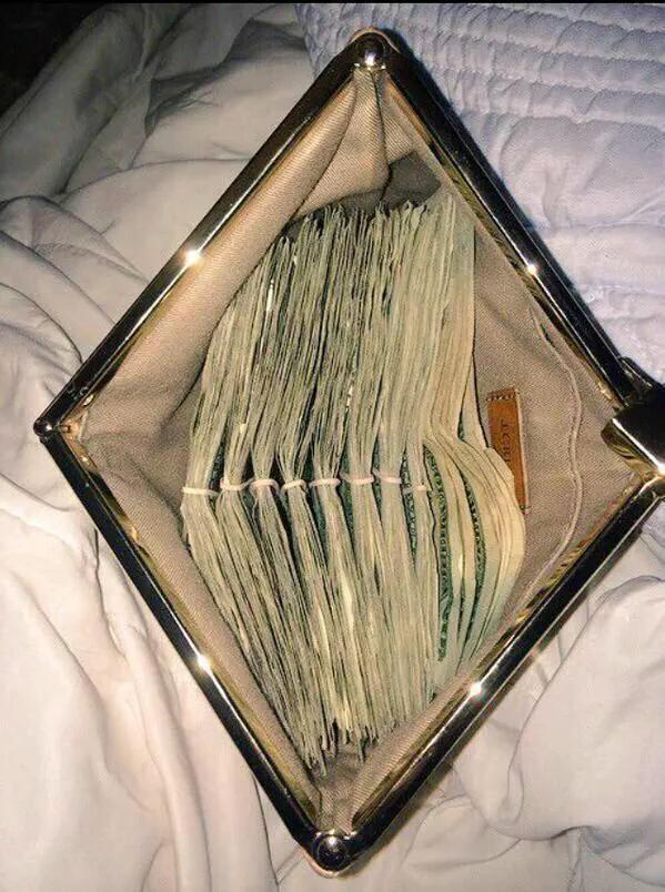 Si me pagaran por ser celoso http://t.co/ia7aUTXgBp