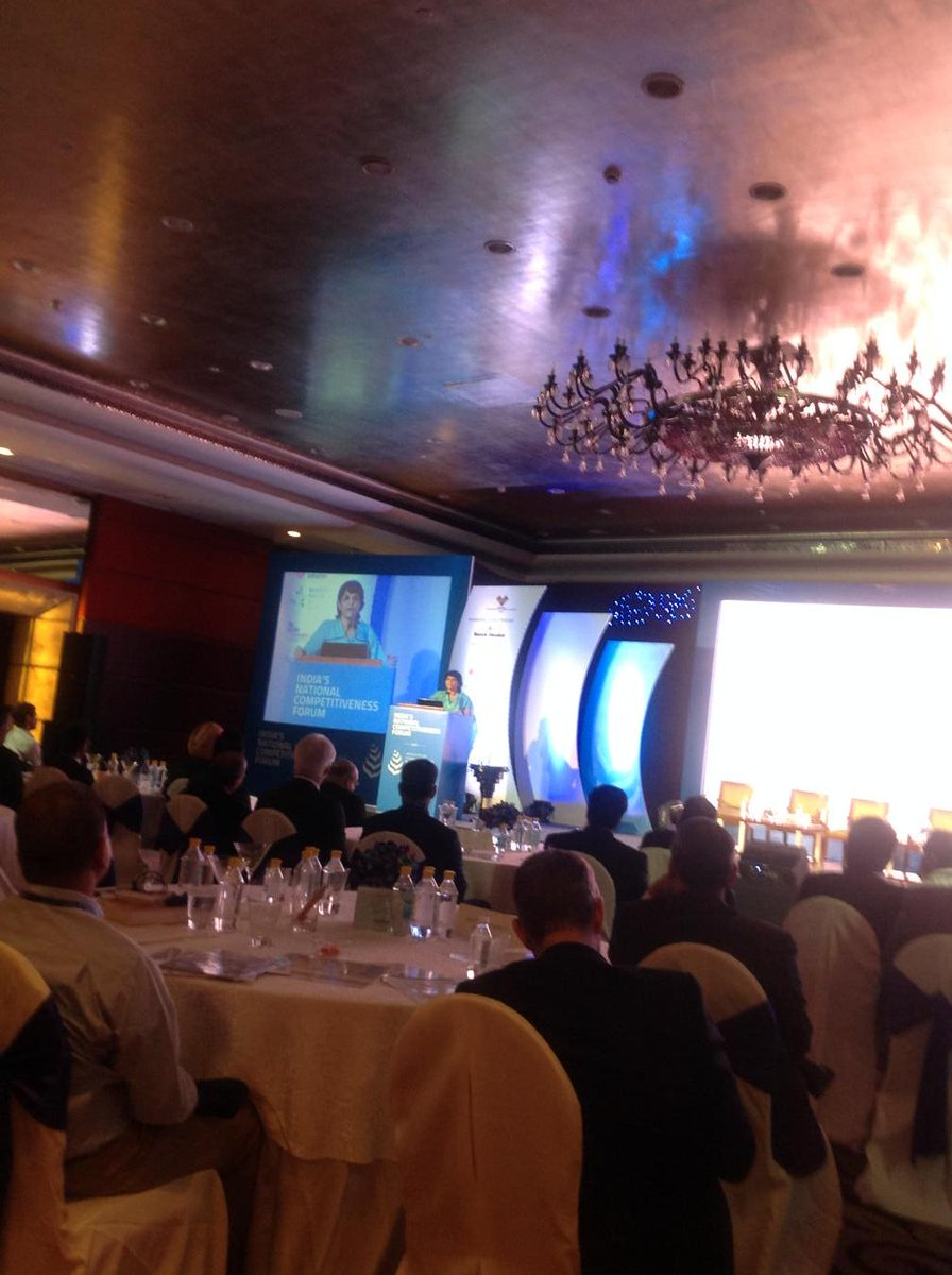 Sangeeta Reddy Jt MD, Apollo Hospitals delivering d keynote laced wt commitment 2 change health in India #porterprize http://t.co/nylQgigZ0n