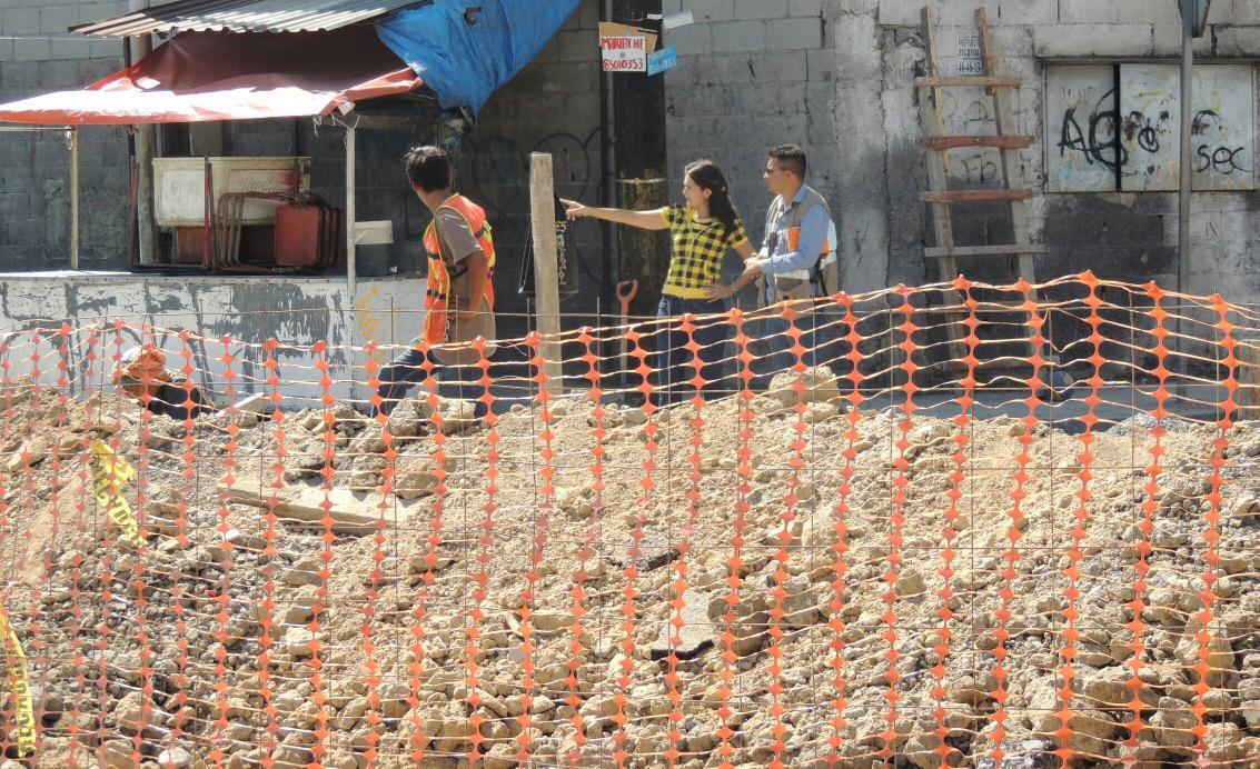 Alhinna Vargas (@AlhinnaVargas): Estando en el #Distrito3 no puedo evitar ir a echar un vistazo en las obras de drenaje pluvial que se realizan. http://t.co/AAf3Tp974q