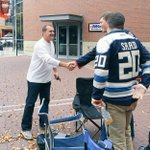 Todd Richards out thanking the dedicated #CBJ fans in line for tickets! http://t.co/56GYkBhKLg