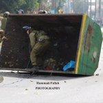 #صورة: الشخص المناسب في المكان المناسب. #فلسطين #فلسطين_تنتفض #انتفاضة_القدس http://t.co/7fGJdjgbyt
