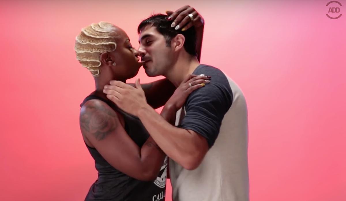 white girl kissing black man № 159739