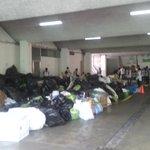 #TragediaElCambray   Guatemaltecos llevan ayuda a centro de acopio en @CRGuatemalteca. Vía @dcastillo_pl http://t.co/uq9443ML5G