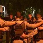 SÓ DEUS NA CAUSA Policiais militares oram em frente ao quartel antes de irem às ruas para… http://t.co/BqNWoIPmbl http://t.co/A8qERplVDO