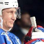Сколько шайб забросил Путин на хоккейном матче в свой день рождения http://t.co/STxrkoYNjS http://t.co/8yd6QClTLT