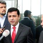 Demirtaş'tan Hürriyet gazetesine ziyaret: 'Bugüne kadar kimse medyaya boyun eğdiremedi' http://t.co/7dDaOVhVxj http://t.co/AsrWaVDxk0