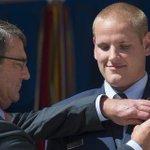 Un des «héros» américain de l'attaque du #Thalys poignardé en Californie http://t.co/Df3sbMWGRn http://t.co/WgolGCejxr