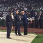 Rather animated conversation between MLB commish Rob Manfred and #Dodgers CEO Stan Kasten. http://t.co/y2YyuZkoFv