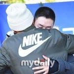 #WaitingforEunhyuk TeukHyuk hug omggggggg http://t.co/M8nrT1s8VB