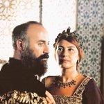 Soy Hurrem, dije que soy Hurrem. Soy la esposa de @_Suleyman1, su esposa legítima. Madre de 5 de sus hijos #ElSultan http://t.co/jePGQqLc6Q