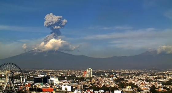 サーキット近くで火山噴火: F1メキシコGP : F1通信 https://t.co/x7aDy3hh2S #f1 #f1jp #f1通信 https://t.co/e2ymO1xUO5
