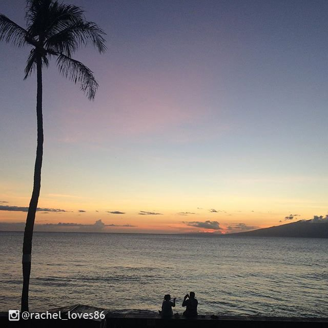 Sunsets happen everywhere in the world. But they're #betterinhawaii. #LetHawaiiHappen https://t.co/kg0A9QpS4w