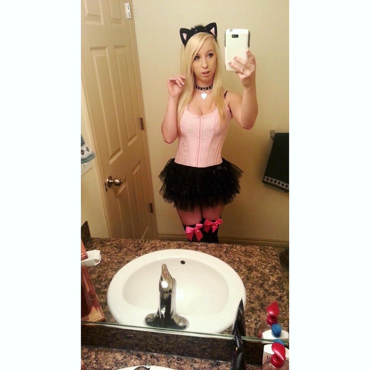 I had such a great halloween 🎃👻💀👿🐱 #halloween2015 #costume #meow #HappyHalloween #trickortreat #petme