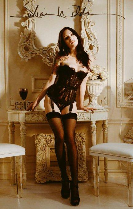 18 yr old international porn star, began shooting films May 2015 ? ? Pick me for #AVNTrophyGirls @avnawards