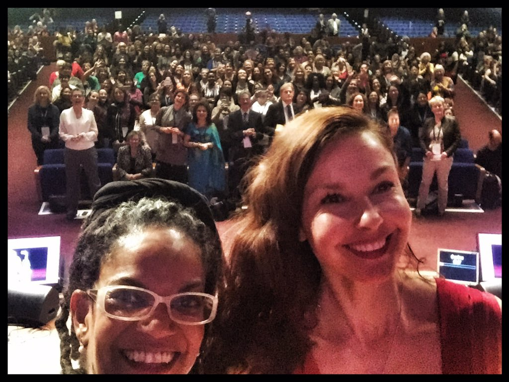 * Pic of the day: pls retweet to make #3wcws trending: actress/activist, the ravishing @AshleyJudd plus audience! https://t.co/0ukCfRAYhG