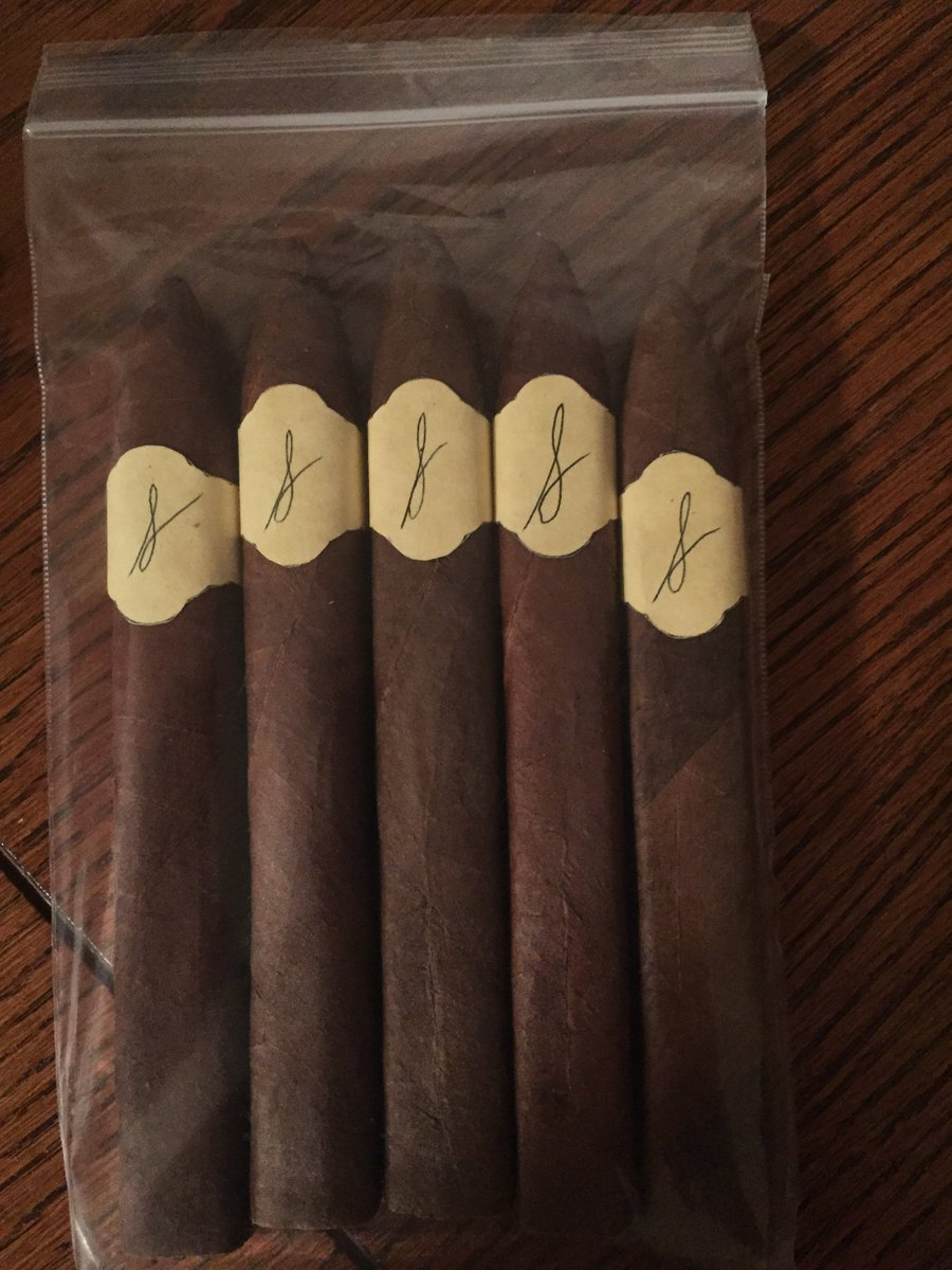 Now to let these @Sawtelle_Cigars to rest a bit before trying. https://t.co/VNSGtIeKTG