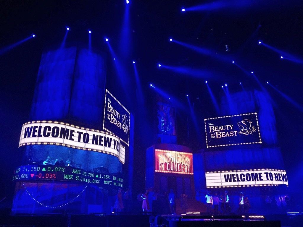 Maurice Wijnen (@mauricewijnen): #FirstLook at the gigantic @MiC2015NL set at @ZiggoDome. Come see us tonight & tomorrow! #MusicalsinConcert https://t.co/M8Yhpiz5EX