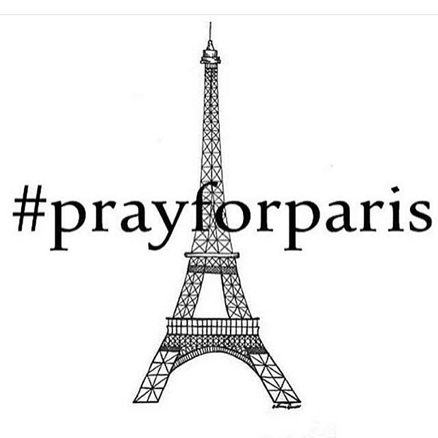 If you don't know what's going on you need to turn on the news. #prayforparis  #givelove https://t.co/6GHWSbSv4I