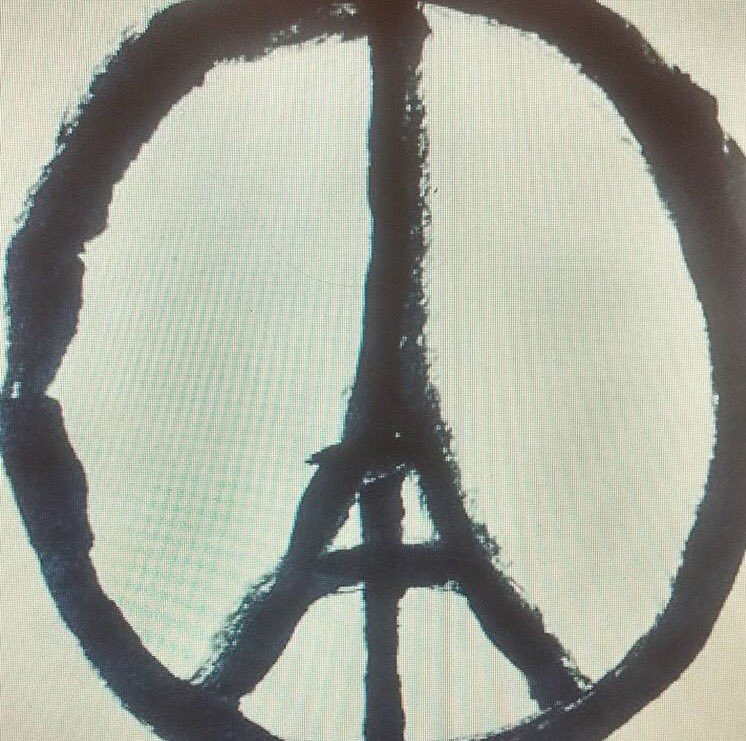 God bless Paris, we all love you. https://t.co/bVtLAI0LWD