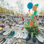 COP 21 : pas de marche à Paris, mais une place de la République recouverte de chaussures https://t.co/GvaokYwP5a https://t.co/ox8XQ7FKsq