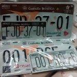 Esta son las nuevas placas que nos van a vender en $750 y solo durarán 2 años #Saltillo https://t.co/1NBXEjJ7JK