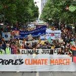 COP21 : des milliers de personnes marchent en Asie pour le climat https://t.co/iKA48jIGMf https://t.co/8Se8mFwZ5i