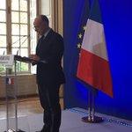 Le Ministre B.Cazeneuve présente mesures de létat durgence en France et sur sécurisation Marché Noël #strasbourg https://t.co/d4AfFhEaOB