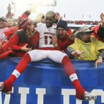 Sit a spell: Louisvilles James Quick wasnt in a hurry to leave fans after win. #l1c4 https://t.co/jPFbidBgRF