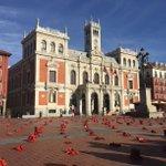 Zapatos rojos, Valladolid, ciudad contra la violencia y discursos estremecedores hoy #25nov https://t.co/hHzE9isT8X https://t.co/AsX8oXOPPy