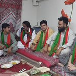 Corner meeting of PTI Keamari Town workers. #KarachiPukarRahaHai https://t.co/bWJWj4maH0