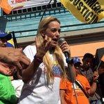 .@liliantintori denuncia intento de matarla en momento de asesinato de opositor #Venezuela https://t.co/oMe7Wsl7xJ https://t.co/8zo75N1bn3