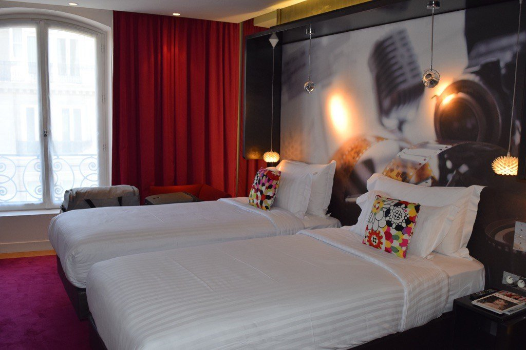 Where to Stay in Paris: Hotel de Sers @BesseSignature @Hoteldesers #travel https://t.co/KPiaHlH4T1 https://t.co/ylMIVKh2hn