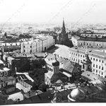 Панорама Московского Кремля до утрат XX века. На фото видны: Троицкая башня, справа от неё — Арсенал и Сенат. https://t.co/xCrlXuMNgJ