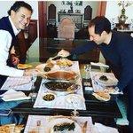 دعوة الشيخ   @samygemayel على الغداء في بكفيا وأكلة المجدّرة ولا ألذّ. وشاهدنا بفرح لحظة إطلاق العسكريين. https://t.co/KhLYWAuKMf
