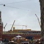 """В Кремле полным ходом идет демонтаж 14-го корпуса, даже """"маскировку"""" сняли. На его месте восстановят Чудов монастырь https://t.co/3NAImzIYBu"""