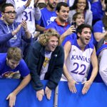 Nothing like a warm, Allen Fieldhouse welcome from the best fans around #kubball https://t.co/y3hVRevepZ